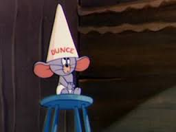 Little_school_mouse_-_dunce_cap